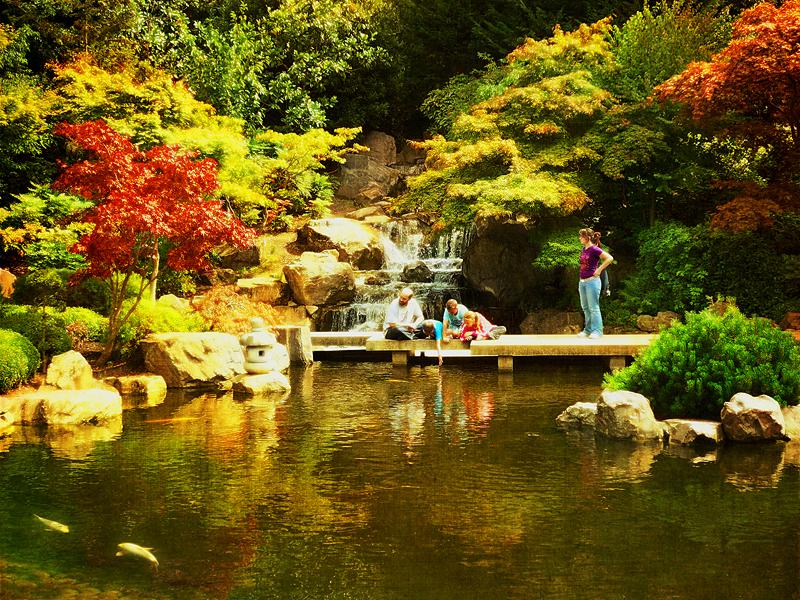 al igual que los japoneses y los rabes con su maestra al combinar lo vistoso de sus jardines con el sonido del agua de sus fuentesu